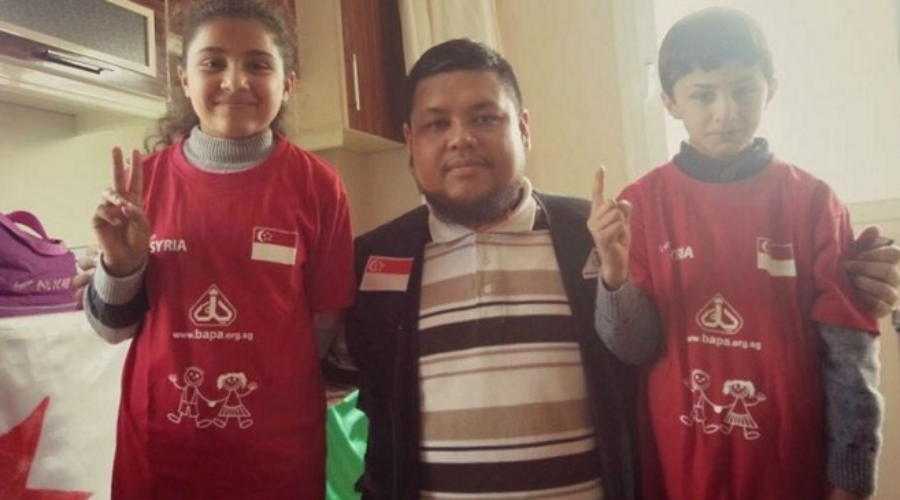 Singaporean Ustadh Zahid aims to raise $32,000 for Syrian refugees by walking 32km